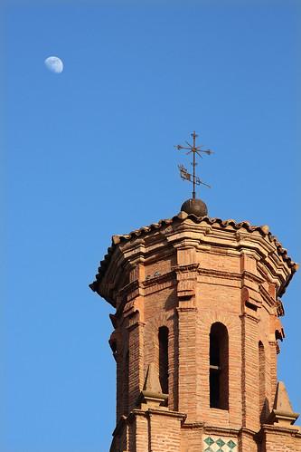Torre y luna