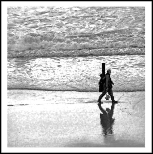 Beach guitar by louna.malaussene