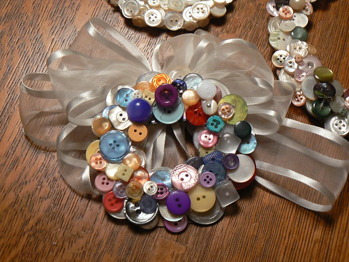 My colorful button wreath