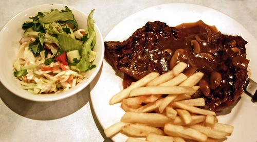 Warilla Sports Club bistro $7 rump steak with chips and salad