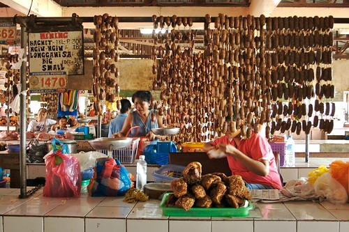 Philippinen  菲律宾  菲律賓  필리핀(공화�) Pinoy Filipino Pilipino Buhay  people pictures photos life food, market, meat,  Philippines, price, rural, vendor, woman, working, pinoy Vigan City Public Market, Ilocos Sur,