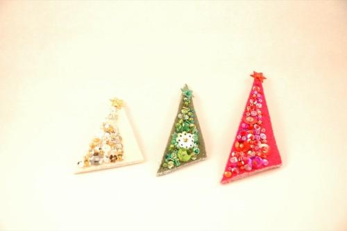 Felt sequin-encrusted Christmas tree pins