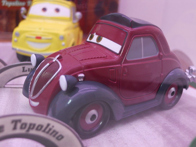 disney store cars 2 that's amore boxset (4)