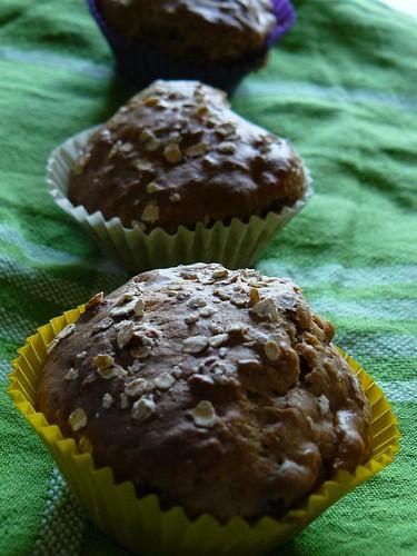 VeggieGirl's Apple-Cinnamon-Oat Muffins