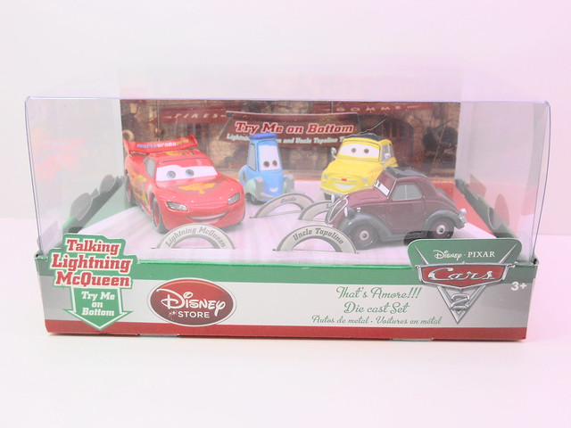 disney store cars 2 that's amore boxset (1)