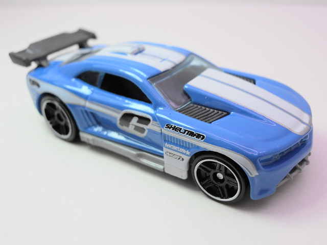 hot wheels custom '11 camaro blue (2)