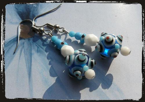 orecchini bianchi e blu - Blue and white handmade earrings MEHCMAB