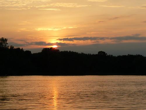 La Crosse, Wisconsin - Sunset Over Mississippi