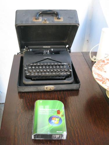 Typewriter and Vista