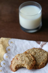 Oatmeal Peach Ginger Cookies Milk