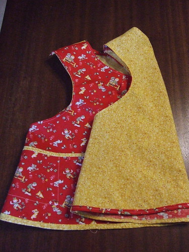 doll apron side/back