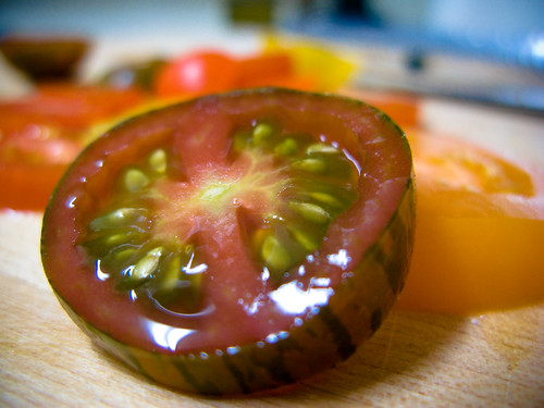 Heirloom Tomato Slice (from abbyladybug flickr)