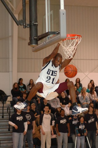 Eddie Smith Dunk at UIS