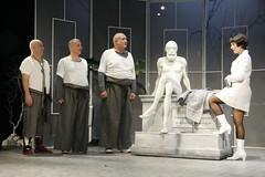 Clinica - Adrian Lustig, regia Aurel Palade