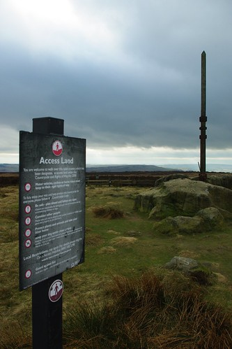 20110320-28_Access Land Sign + Stanage Pole by gary.hadden