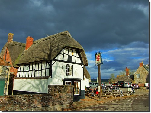 The Most haunted Pub? - The Red Lion Avebury