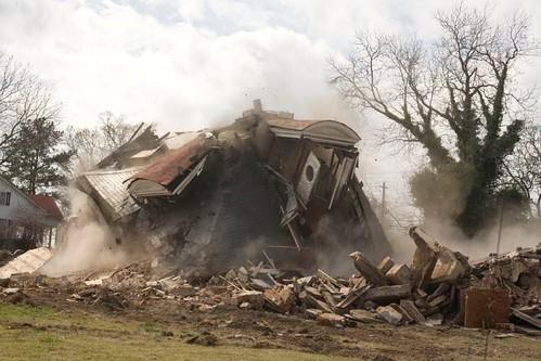 Howard House Demolition (2/2)