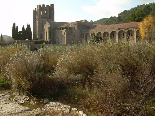 Lagrasse, Abbaye Canoniale Sainte-Marie
