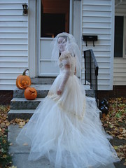 The Traditional Ghost Bride Pose