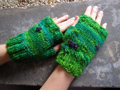 gardening bug mitts