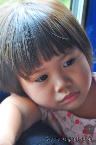 Lia in the bus