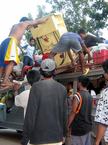 Pinoy Filipino Pilipino Buhay  people pictures photos life Philippines, jeepney, man, rural, scene, transport,rice machine Palawan