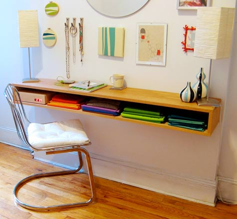 Maggi\'s DIY desk