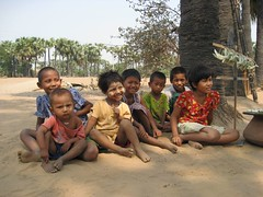 kids near bagan
