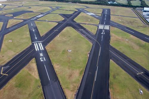 Rullebaner på kryss og tvers på Moorabbin Airport.