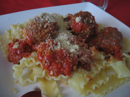meatball sauce with pasta