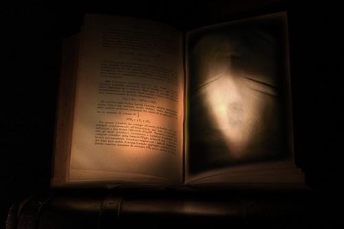 Cursed Book por Rickydavid