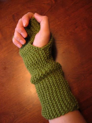garter wristwarmer, knit flat