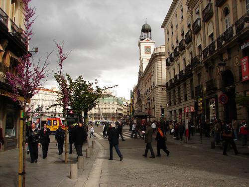 Ho visto delle carpe risalire Calle Mayor. Es verdad. (la foto è di pablovenegas, ed è CC)