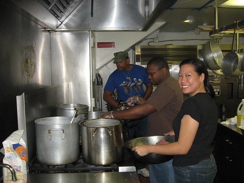 Vance, Trinity and Iliki manning the stove