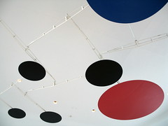 Art Lives Here, Red, Black, Blue, Calder Sculpture, Milwaukee Art Museum, Wisconsin, May 2008, photo © 2008 by QuoinMonkey. All rights reserved.