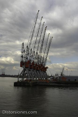 Grúas en el puerto
