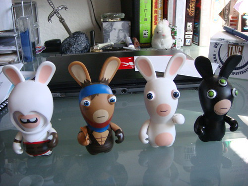 Altair, Sam Fisher y Prince of Persia Raving Rabbits