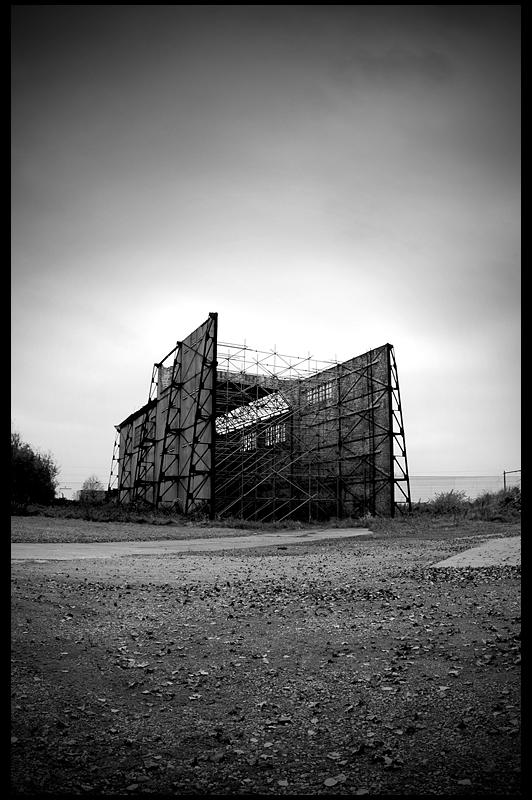urbex urban exploration decay abandoned belgium infiltration belgique caserne eckstein zeppelinhal zeppelinhall