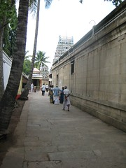 Right side of the Outer Praharam - Thiruaavinankudi