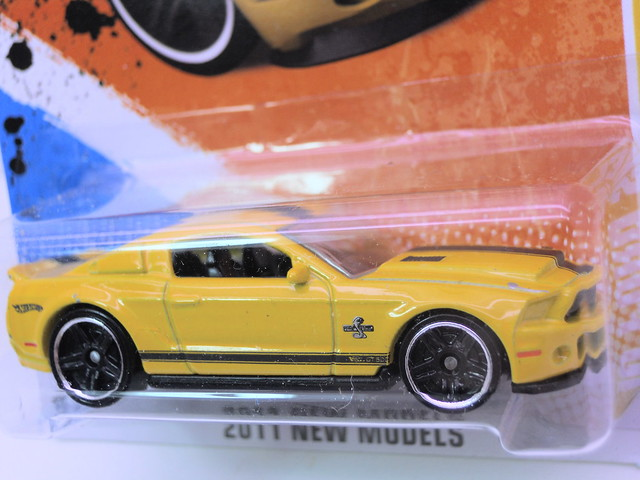hot wheels '10 ford shelby gt-500 super snake yellow (2)