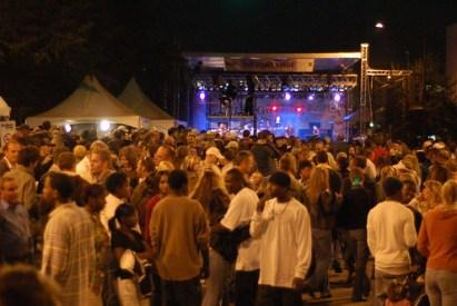 Kansas with crowds