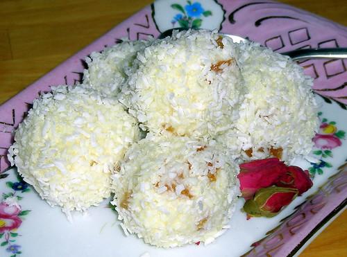 coconut & apricot snowballs