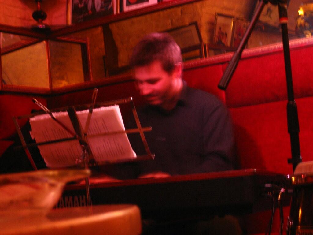 Jaime Zelada al piano