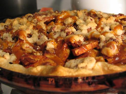 Caramel-Pecan Apple Pie