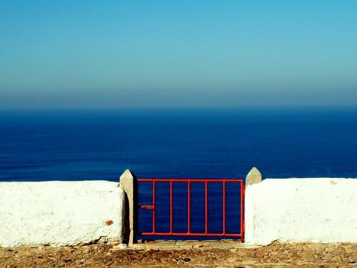 gate by starrynight1 - flickr