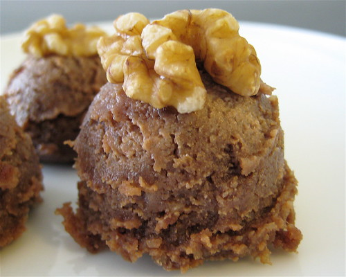 Walnut Brawnie Bites