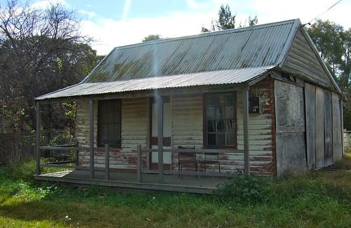 hut - braidwood