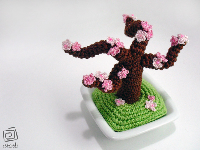 crochet amigurumi bonsai