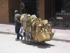 En plus d'objets en terre cuite, l'osier est une des specialités de la province.