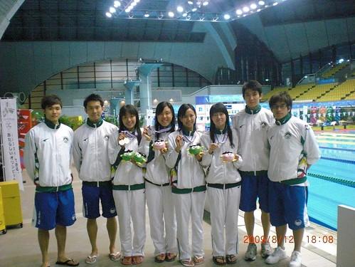 812游泳隊獲獎及破紀錄運動員合照